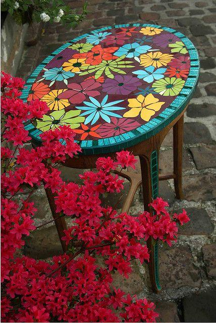 guéridon mosaique by mozaiktoone, via Flickr