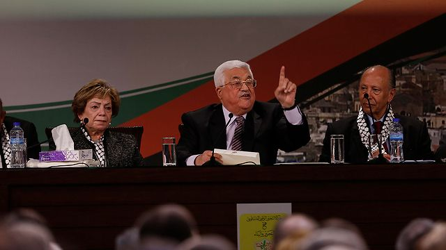 Palestinians face budget cuts after sharp fall in foreign funding. Foreign financial support to the Palestinian budget is running at about half the forecast level, the Palestinian prime minister told local media on Tuesday, meaning deep cuts will have to be made to the budget this year.  At its cabinet meeting, the government said it expected to run a budget deficit of 4.12 billion shekels in 2017 ($1.06 billion), approaching 15 percent of gross domestic product.