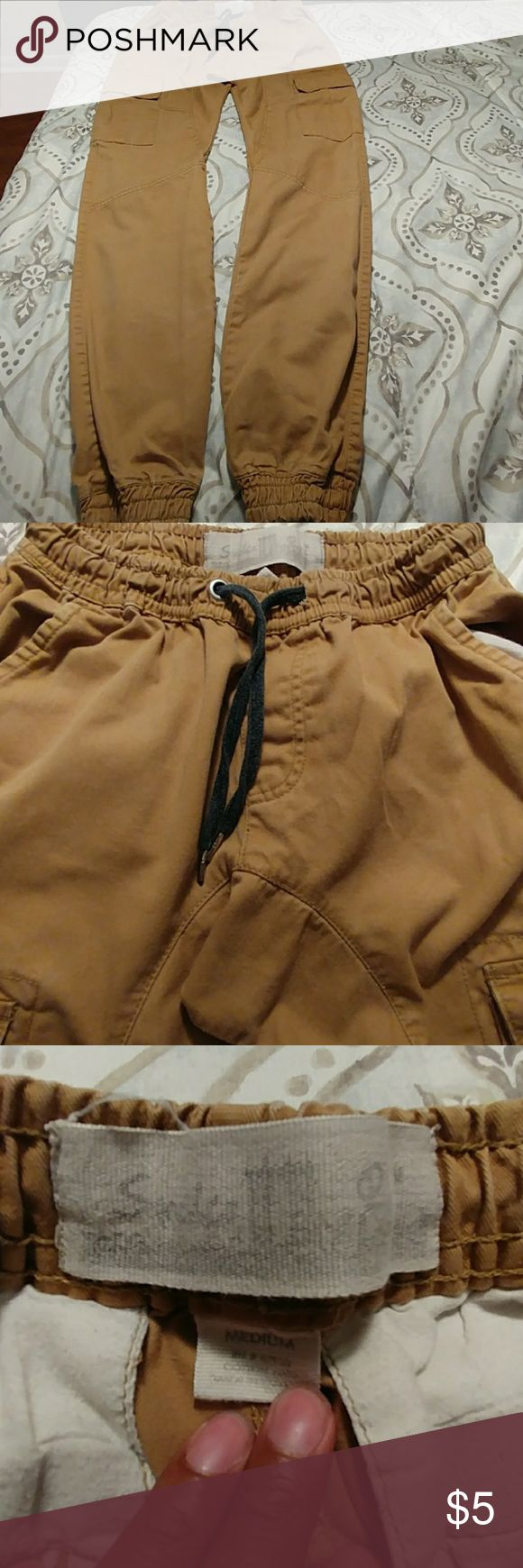 Men's Jogger Pants Men's Jogger Pants. Size Medium. Used Condition. Missing Snap On One Pocket And Small Spots As Shown In Pictures 4 & 5. Pictures 2-8 All Show Signs Of Wear. Pants Sweatpants & Joggers