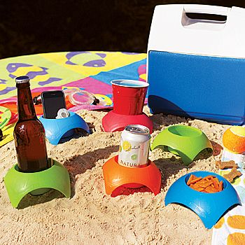 """Turtleback"" drink holder. For picnics & the beach... Wish I had these this past weekend"