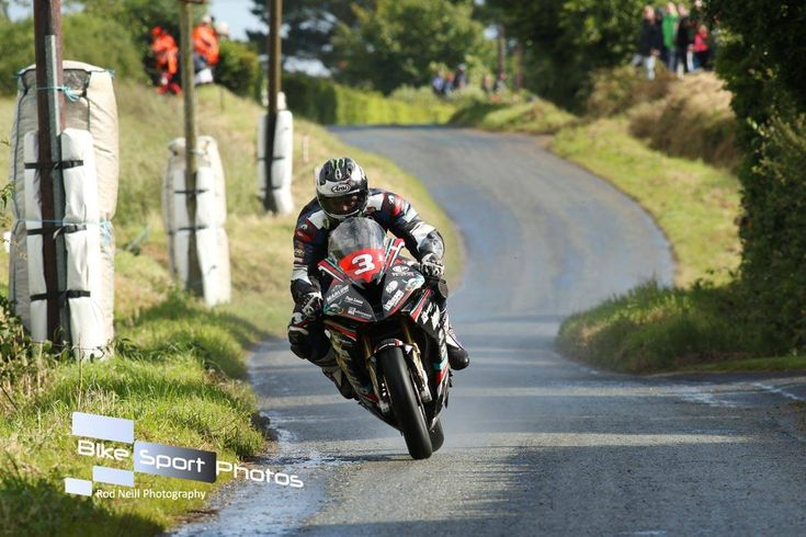 Skerries – Michael Dunlop Wins Enthralling Open Race