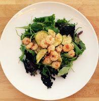 O cestinho da mamã  : Salada verde com camarão e courgete
