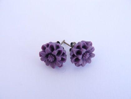 Dark purple resin flower earrings