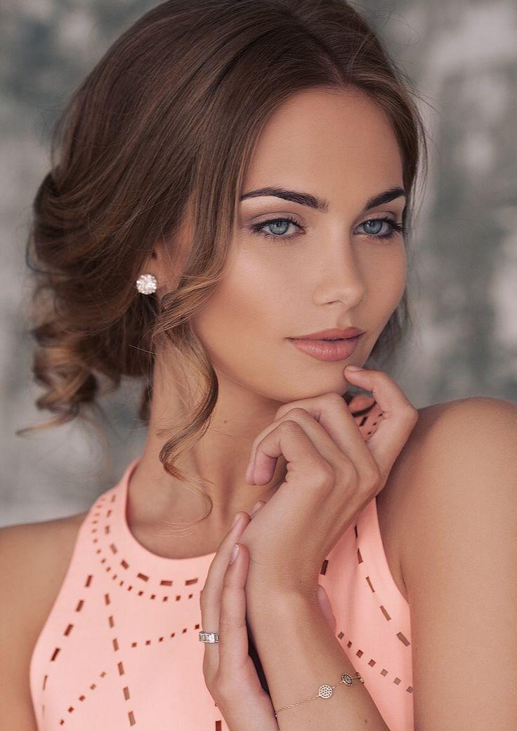 ===La mujer, un bello rostro...=== - Página 4 C4ab1881f5da3ff9bc44e9c0e3f2e937--sheer-beauty-sexy-bikini