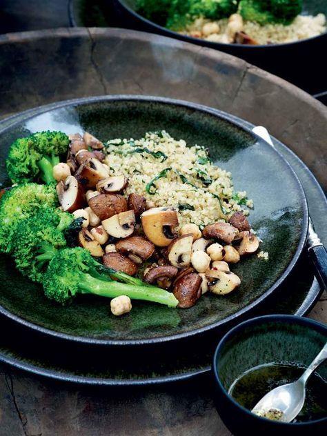 Pascale Naessens - Kruidige quinoa met broccoli en gebakken paddenstoelen - The Art of Living