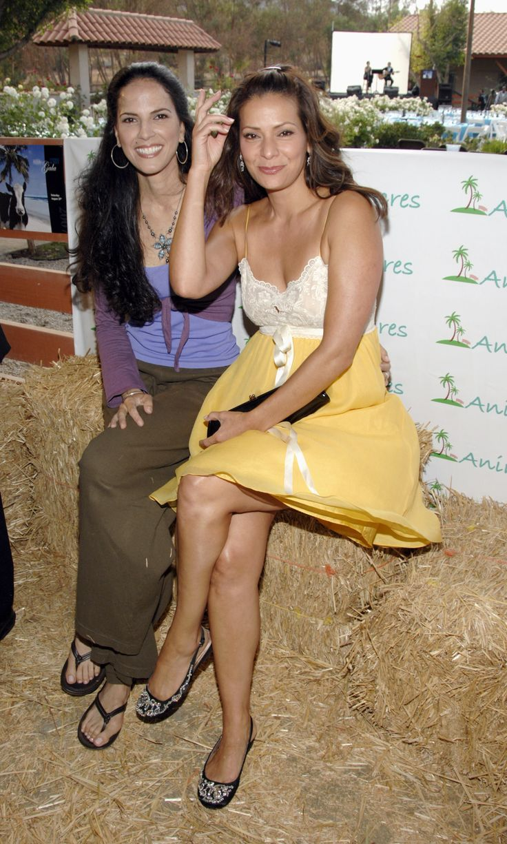 Constance Marie 2009