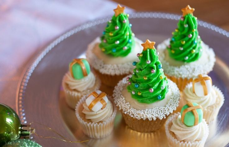 Really cool cupcakes for around Christmas