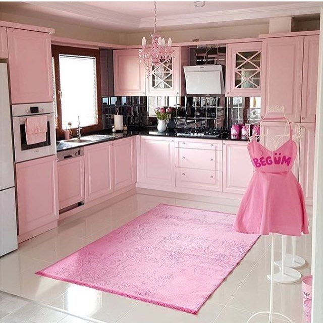 53 best home decor images on pinterest future house for Kitchen decoration pink