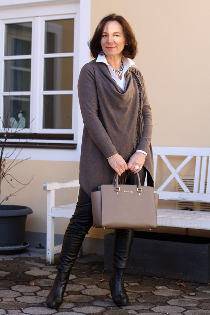 Lady of Style: Easy chic in a cosy cardigan