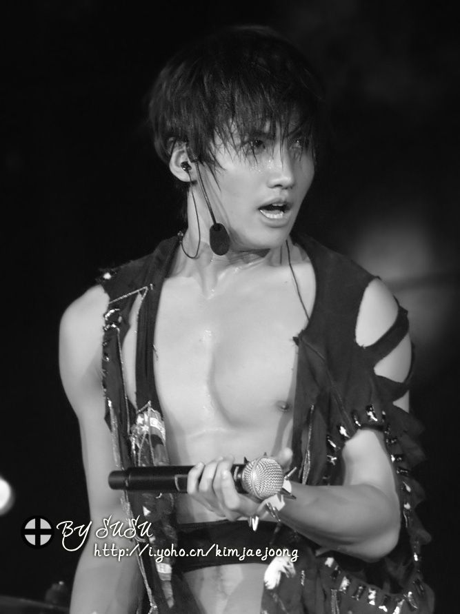 TVXQ's Shim Changmin stage