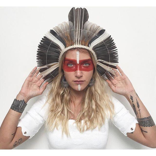 Campanha com Gabriela Pugliesi no Dia do Índio é acusada de apropriação cultural