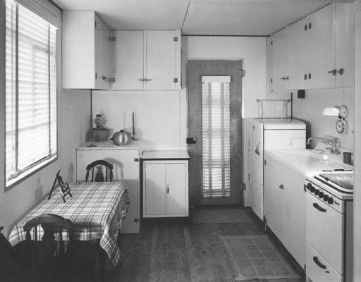 1000 images about vintage kitchens on pinterest for Modern kitchen in 1930s house