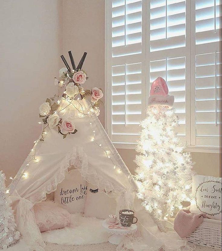 "1,305 Likes, 63 Comments - Lynda Correa (@storybook_bliss) on Instagram: ""Beautiful sparkly bedroom!! Pic via @beddysbeds credit: @lolaanddarla #interiordesign #interior…"""