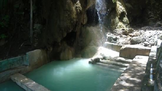 Mineral Pools at the Diamond Botanical Gardens, St. Lucia ...