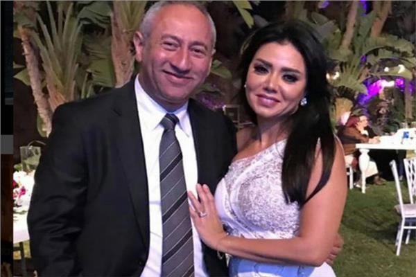 طارق عزب طليق رانيا يوسف يثير الجدل بتعليقه على أخر صوره جمعتهما سويا Formal Dresses Prom Dresses Fashion