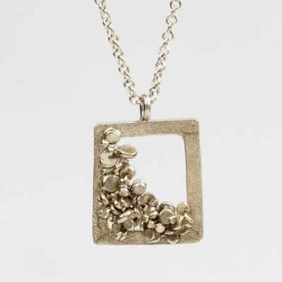 Rachel Jones - Necklace - Speckle Frame