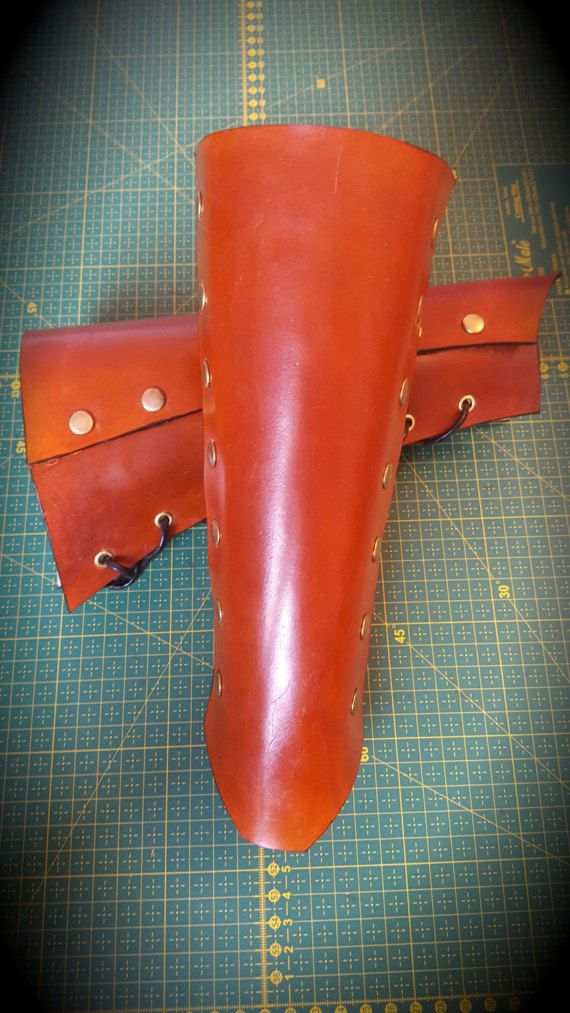 Light Brown Plain Leather Gauntlets Leather by CrusaderArmoury