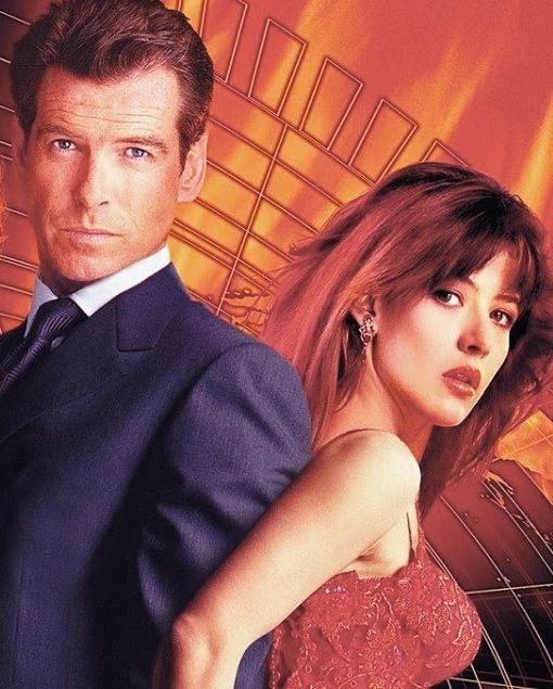 james bond girl n 19 sophie marceau est elektra king 1999 avec pierce brosnan le monde ne. Black Bedroom Furniture Sets. Home Design Ideas