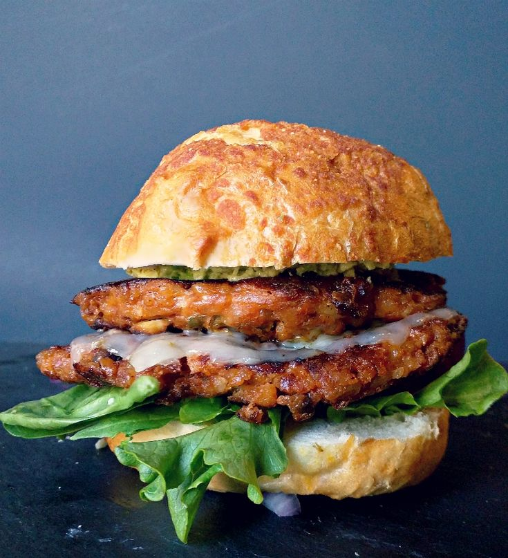 Use Mahatma Brown Rice to create this delicious and satisfying Southwest Veggie Burger Recipe.