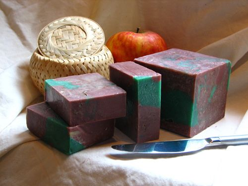 Dutch website with information on making soap.
