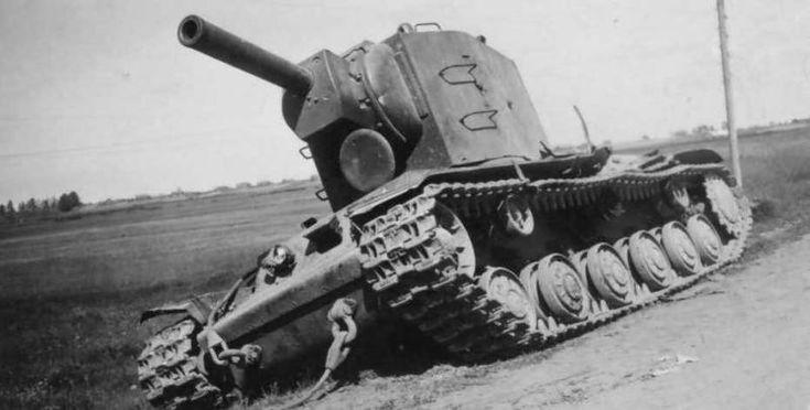 La increíble historia del KV-2, el solitario tanque ruso que detuvo al ejército nazi