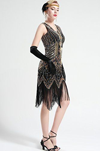 a26384dd126 Amazon.com  BABEYOND Women s Flapper Dresses 1920s V Neck Beaded Fringed  Great Gatsby Dress (Small