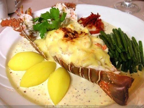 Uma das receitas mais práticas e tradicionais que conheço para preparar uma bela lagosta, é justamente a Lagosta ao Termidor. Vou postar aq...