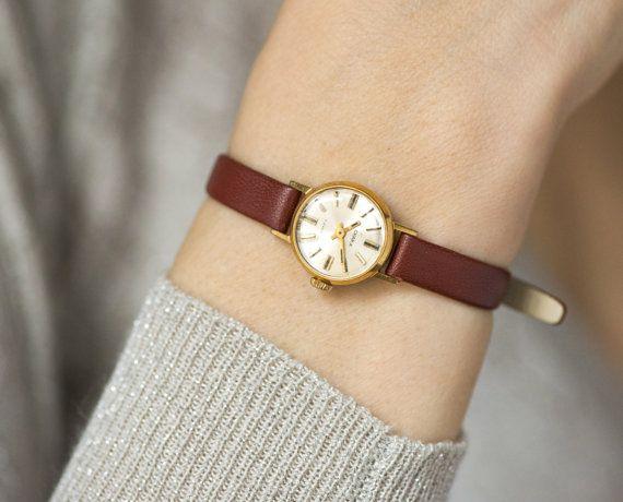 Gold plated women's wrist watch Chaika tiny watch mechanical watch lady Russian watch premium leather