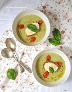 Cuketová polévka s bazalkou a pečenými rajčaty | Blog Mlsné Kočky