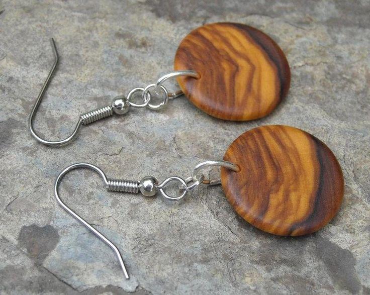 Houten oorbellen - ronde Oorbellen olijfhout 2 cm - Een uniek product van Alentejoazul op DaWanda