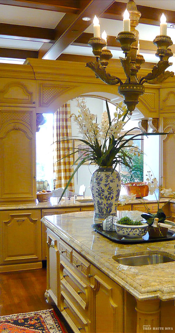 Classic French Kitchen Love Everything About It Really Like The Yellow Blue And