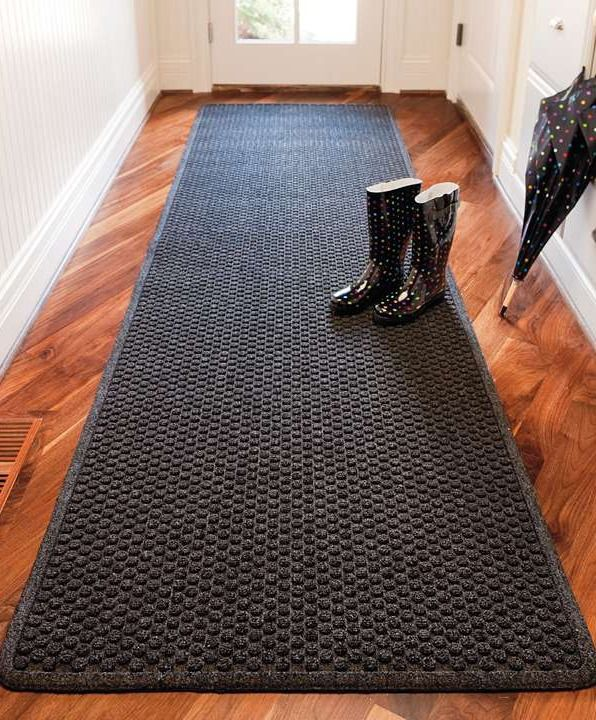 The antimicrobial Aqua Trap ® Entry Mat protects floors and easily withstands the heaviest foot traffic