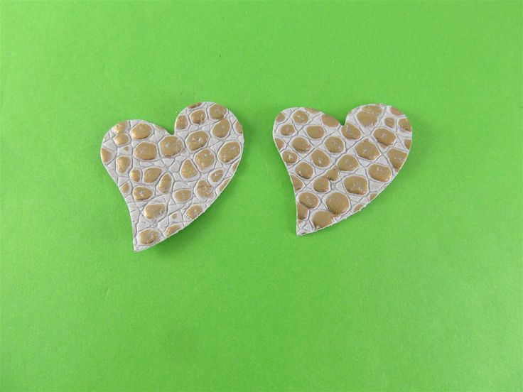 Leather embossed beige/gold hearts 40mm (3 pcs) DIY cut leather flowers Craft supplies Jewelry materials Leather pieces