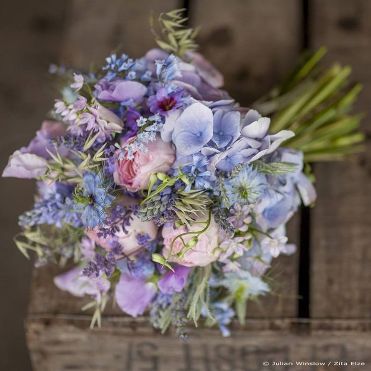 Blue is the colour... pastel blue bouquet available for delivery nationwide, a delicate combination of #larkspur #salvia #sweetpea #hydrangea #nigella #gardenroses #wheat #bluebell and #allium, depending on seasonal availability  #pastels #blues #blueisthecolour #blueisthecolor #bluebouquet #blueflowers #pastelflowers #bouquet #buquê #flowers #flores #fleurs #instaflowers #flowersofinstagram #flowerstagram #floral #flowerphotography by Julian Winslow for @marketflowers #britishflowers