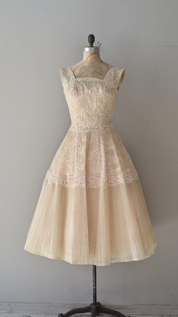 Light Fantastic wedding dress / lace 1950s dress / by DearGolden