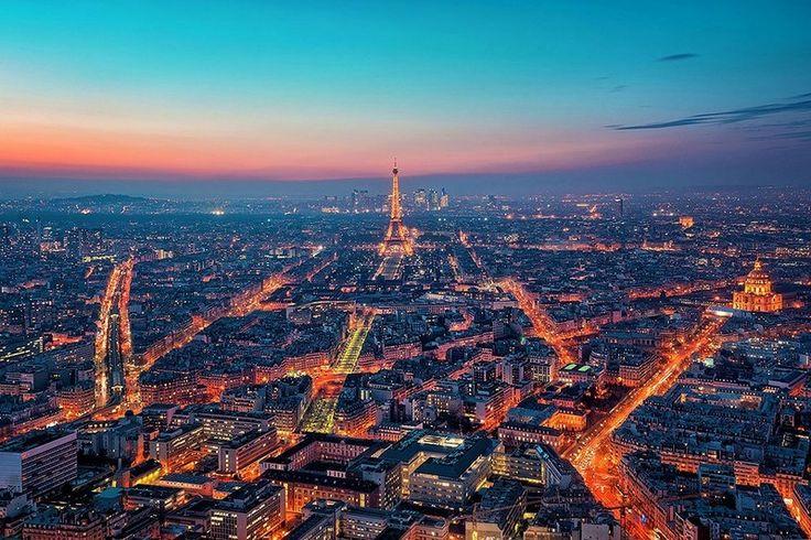 París de noche. http://www.viajaraparis.com