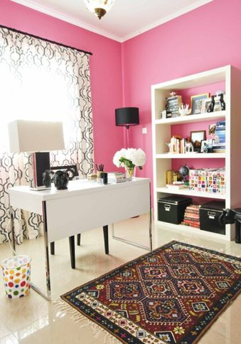 The pink is not my color, but I do like the style of this office. The rug has to go.