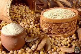 Соевый белок находится в таких продуктах, как тофу, соевое молоко и масло, соевое зерно.Здоровье сердца. Согласно исследованиям, соевый белок снижает уровень холестерина низкой плотности ЛНП (плохой) и способствует повышению уровня холестерина высокой плотности (ЛВП). Изофлавоны сои также обладают антиоксидантными свойствами.