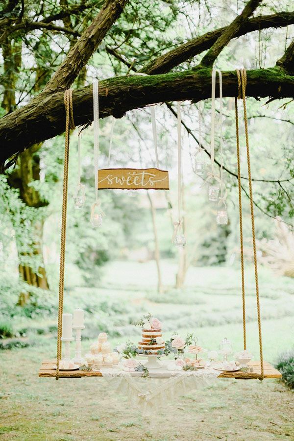 stunning swing dessert table http://weddingwonderland.it/2016/06/matrimonio-da-sogno-in-giardino.html