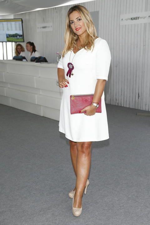 Karolina Szostak white dress