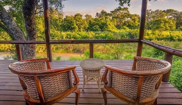 At Karongwe River Lodge, a delicious food experience awaits you. Dining under the stars has never been so romantic as you enjoy our Pan African cuisine in a rustic outside Boma or, on alternate evenings, in the beautifully appointed dining room.