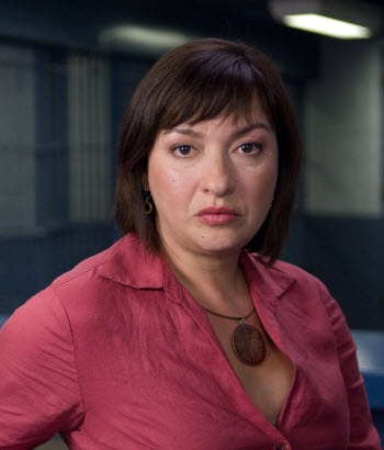 Elizabeth Pena (Cuban), Sofia Vagara's mother on Modern Family, died @ age 55.