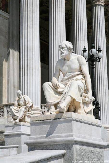 Wien Parlement Autrichien Statues Historiens Antiques - Vienne - Autriche