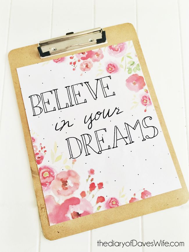 ***FREE PRINT*** Believe In Your Dreams Poster #freeprintable #freeprintables Get more free printable posters - http://www.pinterest.com/hre/free-printable-wall-art/