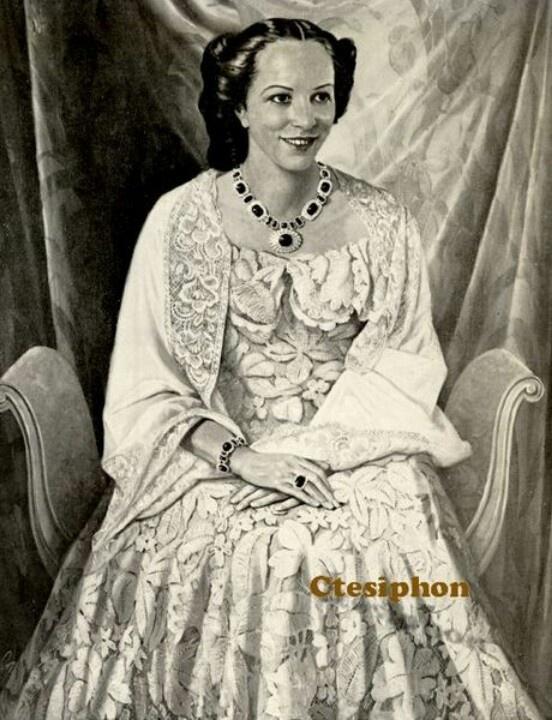 Aliya bint Ali ofHejaz(1911 – December 21, 1950), was an aArabianprincess and an Iraqiqueen consortofIraq. She was the spouse of kingGhazi of Iraqand thequeen motherofFaisal II of Iraq. She was the last queen of Iraq.Princess Aliya bint Ali was the second daughter ofAli bin Hussein, King of theHijazandGrand SharifofMecca.On January 25, 1934 Aliya bint Ali married king Ghazi I of Iraq inBaghdadIraq.They had one son:Faisal II, King of Iraq- born May 2, 1935 died July 14, 1958
