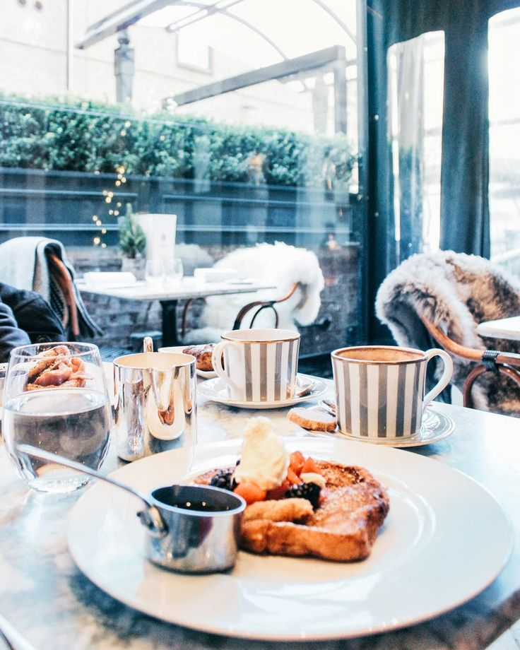 London's Most Instagrammable Christmas Brunch