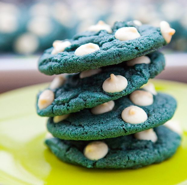 Blue Velvet White Chocolate Chip Cookies | spachethespatula.com #recipe- national police week