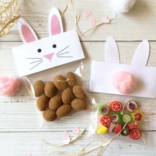Bunny and Chick toppers!  In pink or yellow, with cute little ears and fluffy tails.  Make the cutest treat bags ever!  Free Printables!