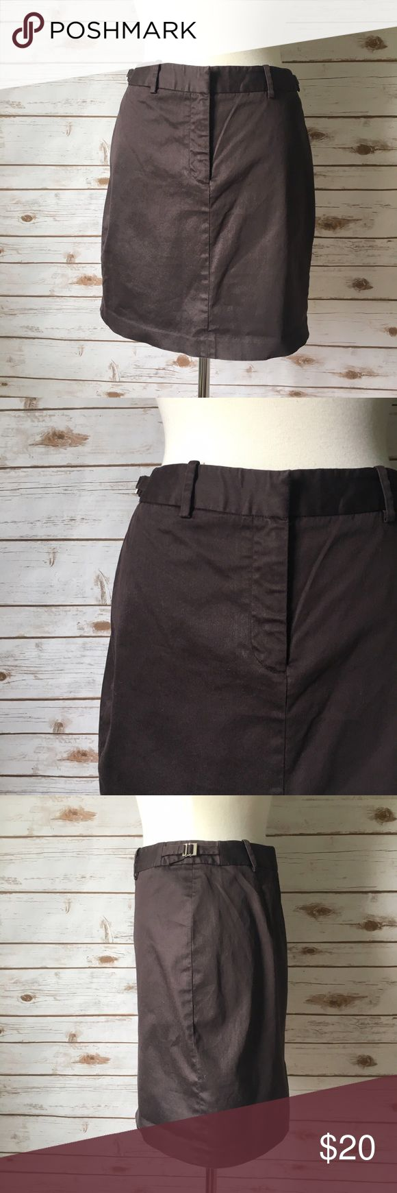 "The Limited Brown Pencil Skirt Chic and classy brown pencil skirt by The Limited. ▪️18"" long ▪️17"" waist laid flat ▪️19"" hips laid flat ▪️4"" rear slit ▪️Unlined ▪️In good condition   🚭 Smoke-free home 📬 Ships by next day 💲 Price negotiable  🔁 Open to trades  💟Happy Poshing!💟 The Limited Skirts Pencil"
