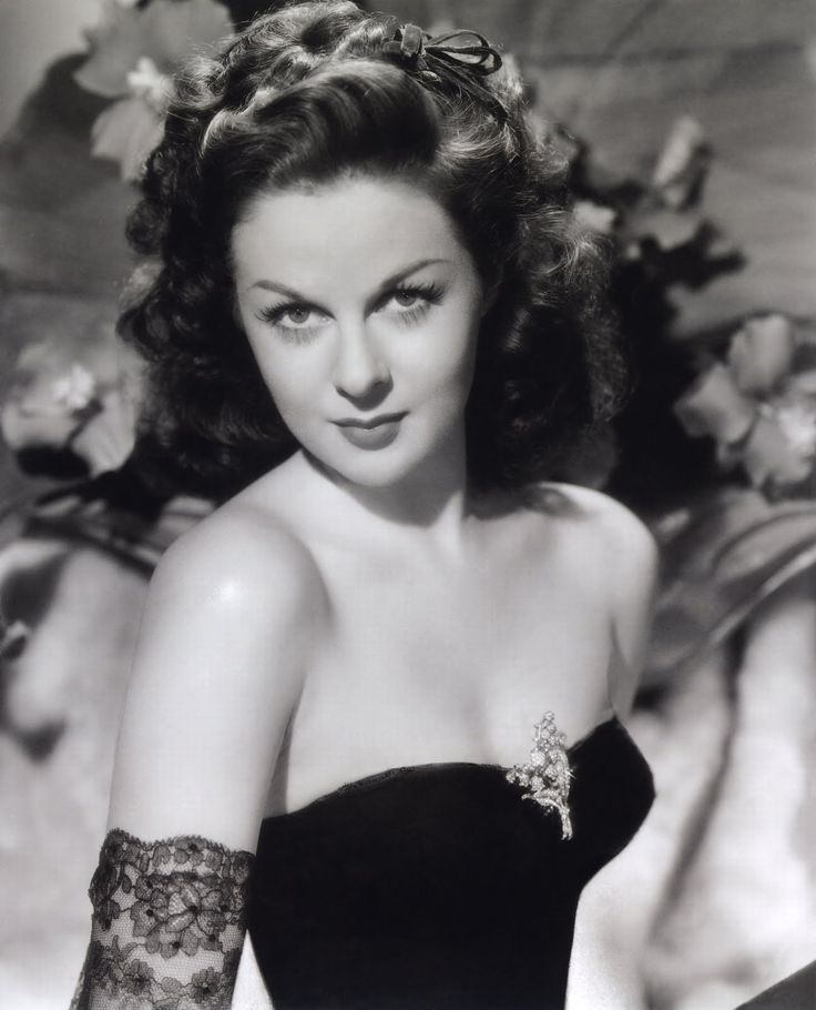 Susan Hayward - Academy Award winner with the face of an angel who could play the devil.